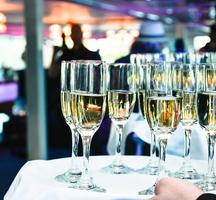 Hornblower-champagne