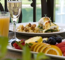 Hornblower-brunch-fruit