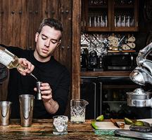 Hudson_hotel-bartender