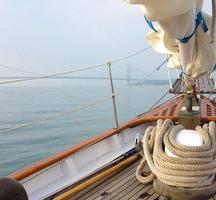 Manhattan_by_sail-front