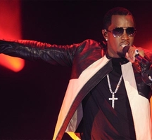 Puff_daddy-performing