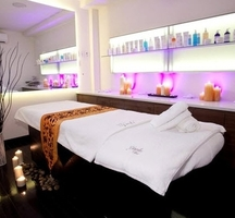 Le_york_spa-soho-inside