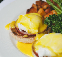 Cannery-eggs-benedict