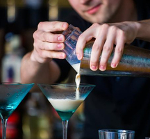 Bartender-mixing-it-up