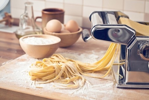Cocusocial pasta machine