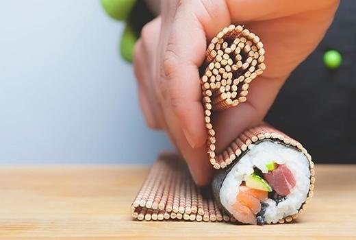 Cocusocial sushi