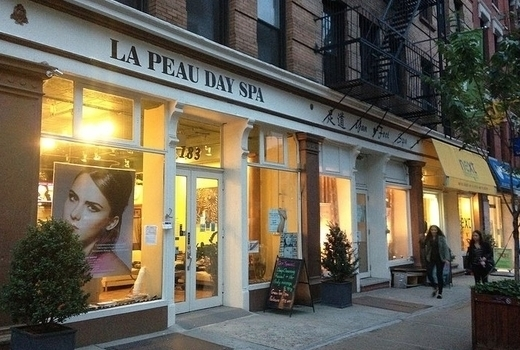 La peau day spa outside