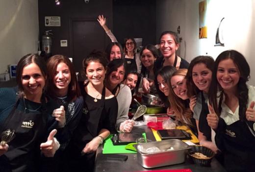Mia chef gelateria friends group fun