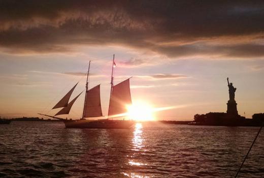 Manhattan by sail dusk liberty clipper city