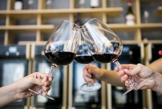 Cocusocial wine