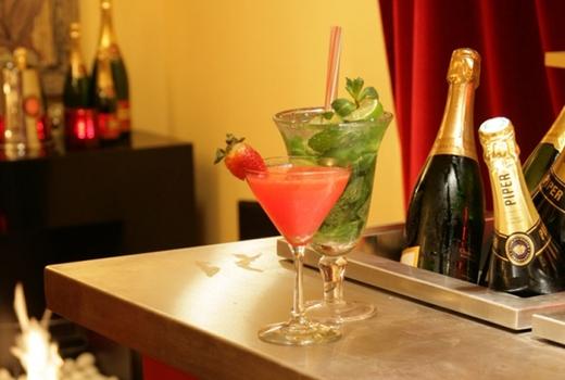 Flute fest champagne cocktails