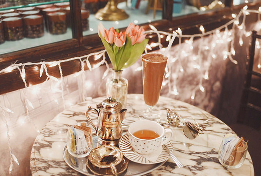 Mariebelle set for tea