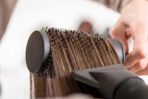 Studio 19 brunnette blow dry