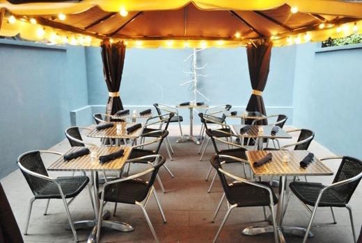 Sall restaurant patio