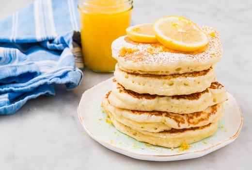 Dia brunch pancakes