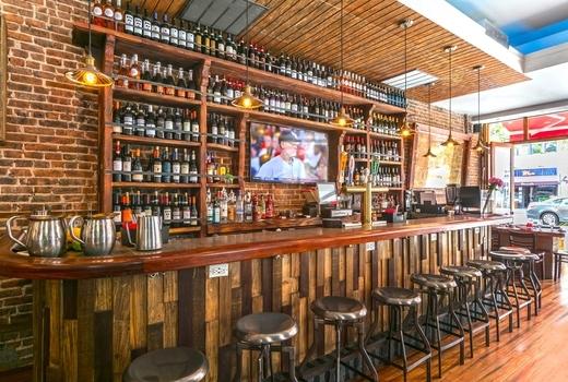Gallo nero vday bar