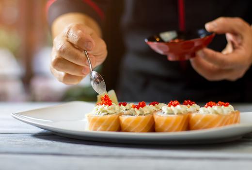 Okinii sushi chef garnish roe