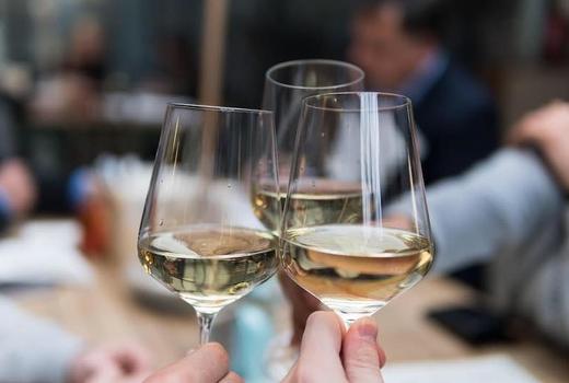 Ela taverna wine cheers