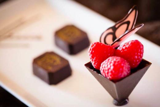 Diamond mills chocolate berries