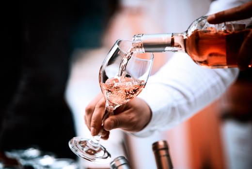 Wine fest pour rose drink