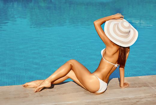 Petals laser woman pool legs