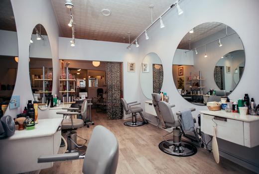 Anonymous salon inside wow