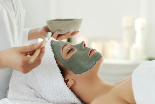 Ve medspa facial mask green towels