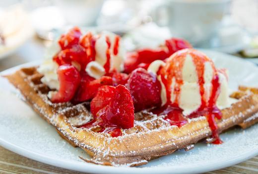 Ainsworth fidi waffles strawberries