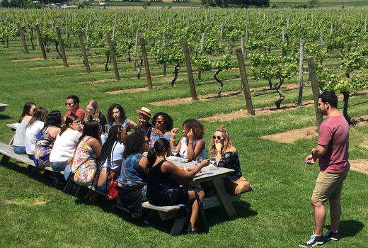Nywe hudson valley day tour group winemaker
