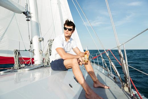 Manhattan by sail lobster beer man sailing nyc