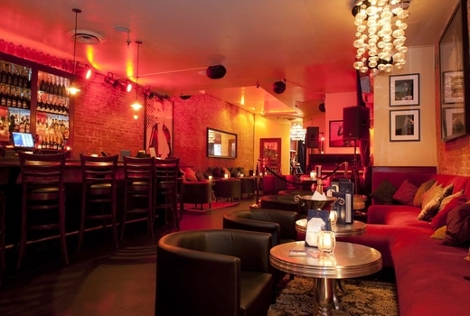 Flute champagne school inside red interior