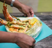 Lolos seafood dinner crab legs