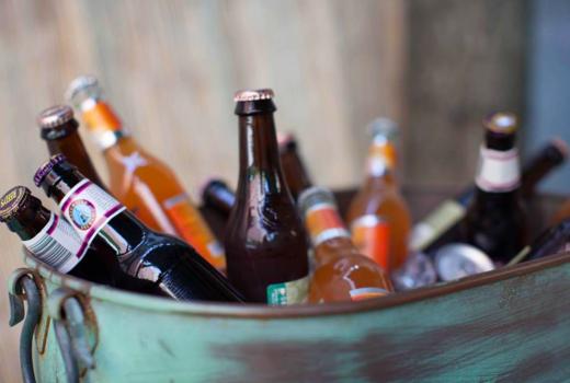 Lolos seafood dinner beers bottles drink