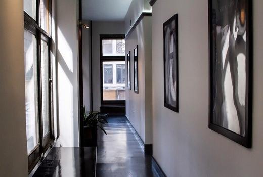 Skin spa bright nyc corridor