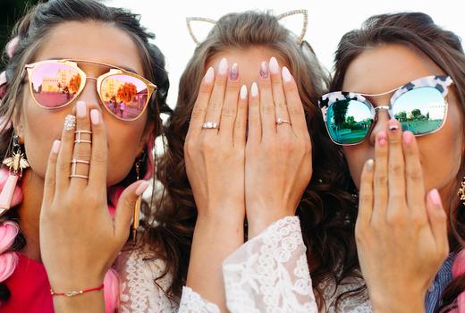 Eruan salon spa girls nails friends