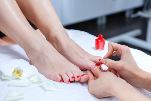 Eruan salon spa pedicure clean feet