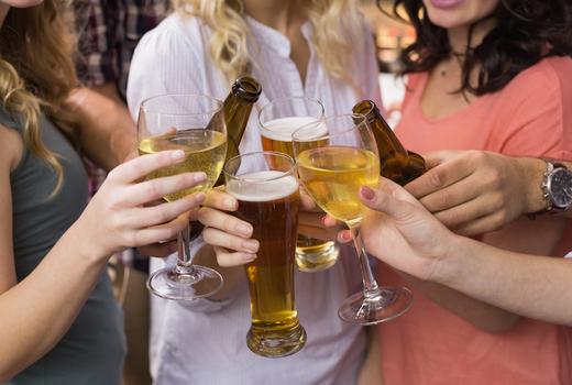 La pittura drinks cheers beer wine