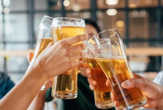 Break bar nyc cheers beer yay