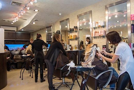 Aaron emanual salon inside chairs busy