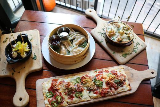 Broadstone eats foods spread