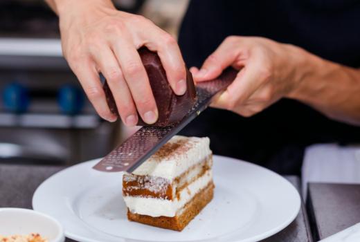 Dia restaurant dinner tiramisu dessert