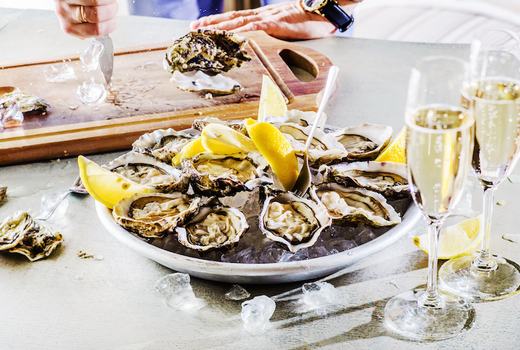 Oysters champagne cruise drink slup love