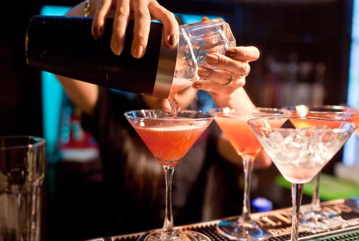 Amc gala cocktails pour