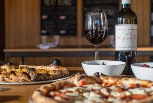 Pizza wine share