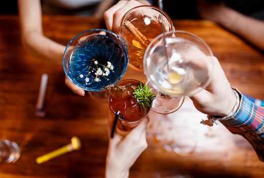 Alexander hamilton tavern cocktails cheers