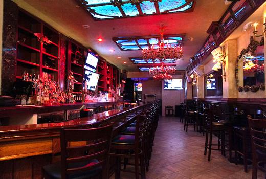 Alexander hamilton tavern inside chandeliers
