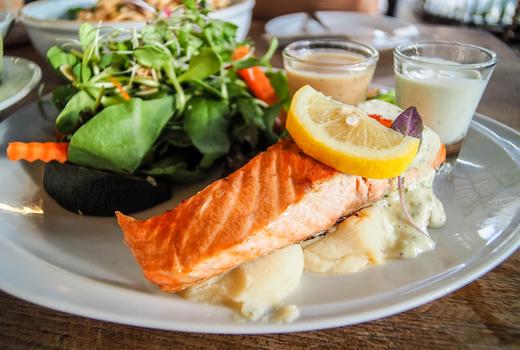 Alexander hamilton tavern salmon