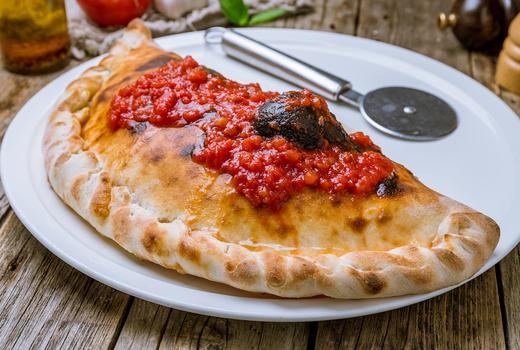 Fornino calzone eats love