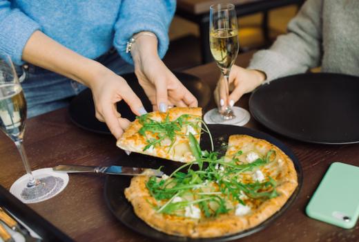 Fornino pizza glasses women phone