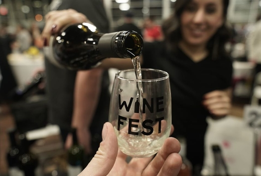 Jersey city wine fest pour white